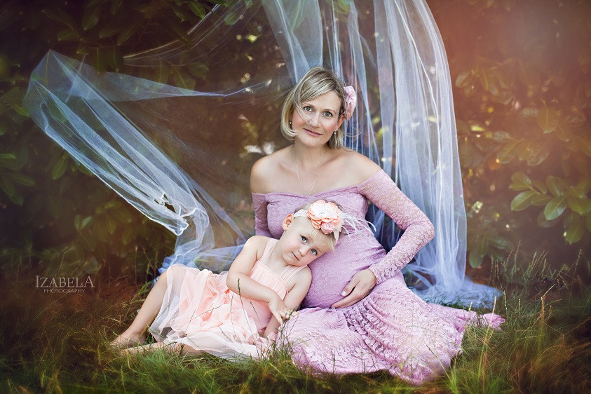 Beautiful maternity photography in Bedford