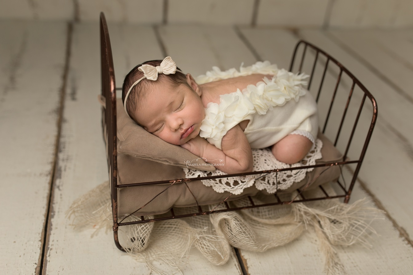 newborn baby photos in bedford