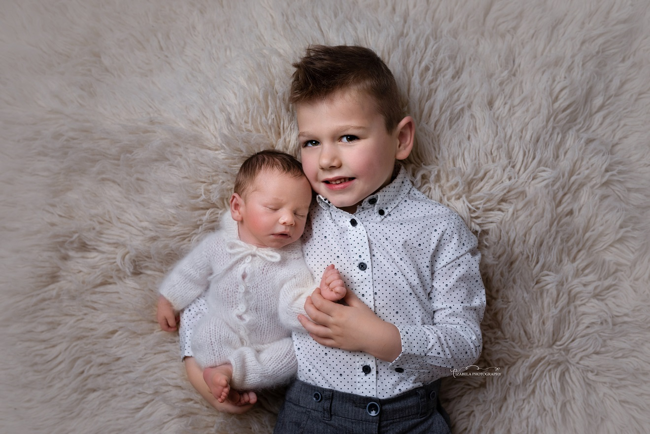 newborn with brother photos in Milton Keynes