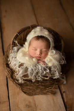 newborn baby photos in bedford