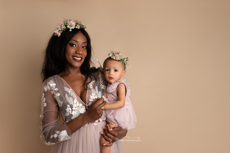Mommy and daughter photos in Bedford