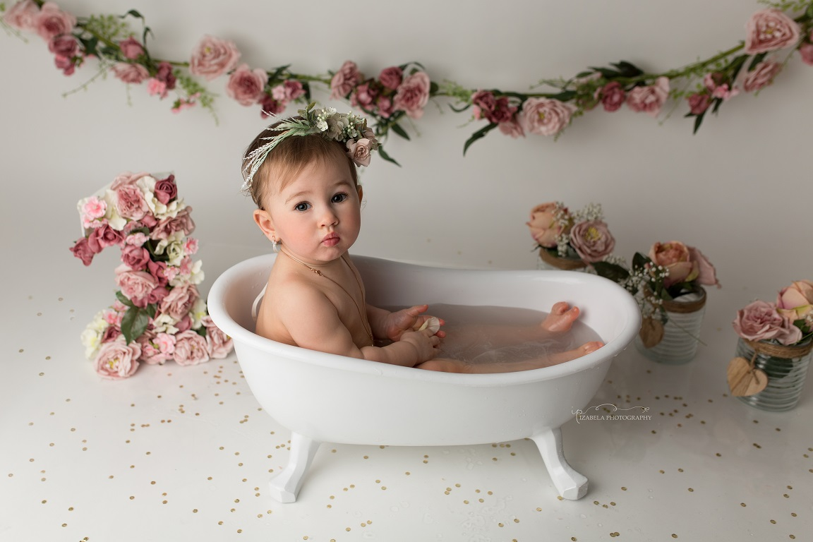 baby bathtub session in Bedford