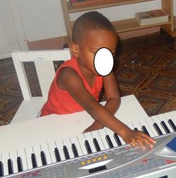 Un petit musicien!!