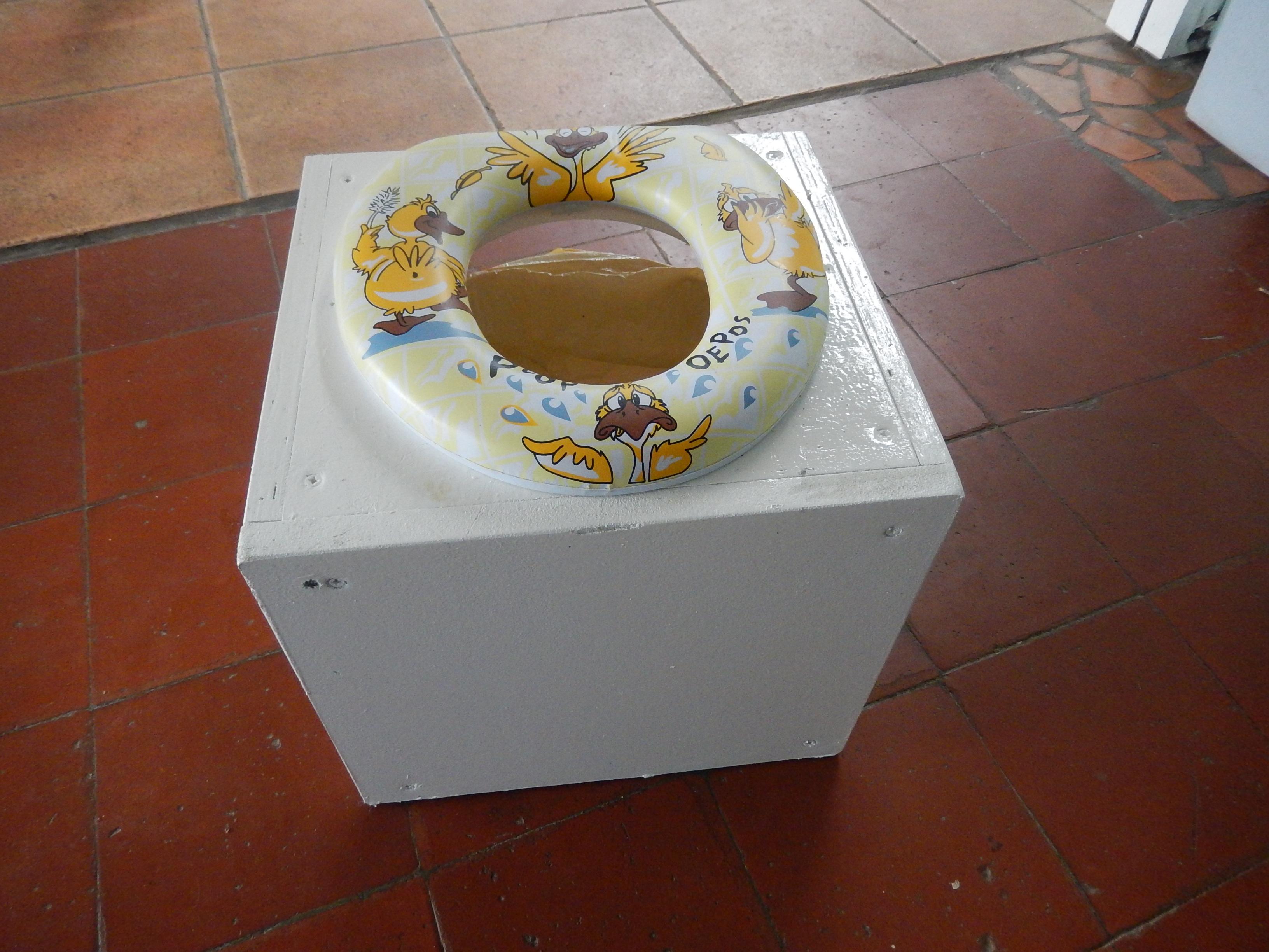 Toilettes sèches finalisées!!