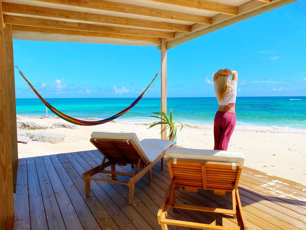 Beach side lounge