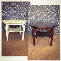 Pyöreän pöydän alkuperäisen sävyn palauttaminen.