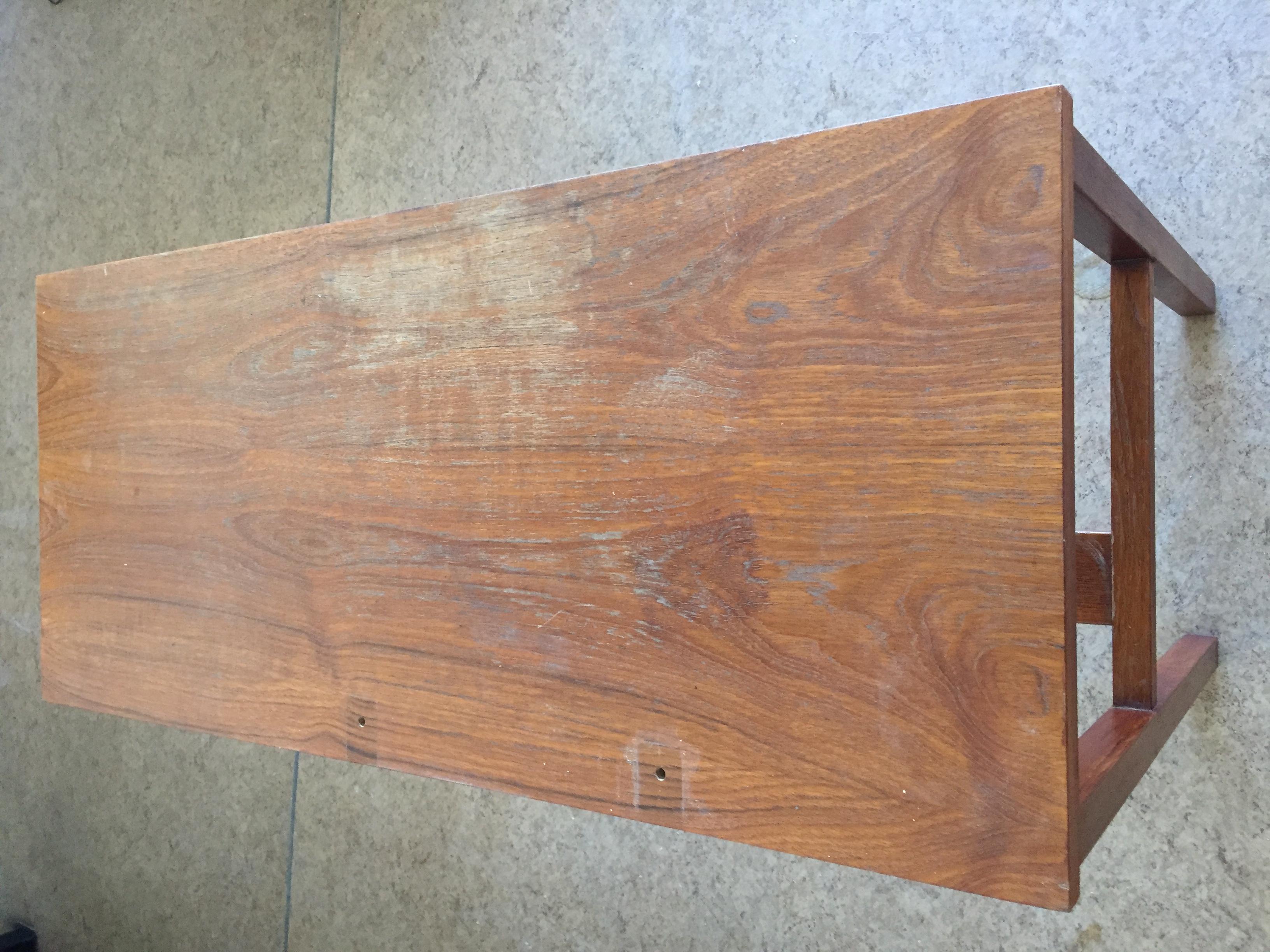 Peilipöydän pintakäsittelyä elvytettiin.