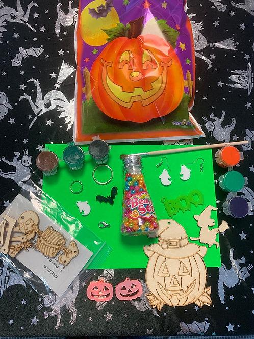 Halloween jewellery and craft set 1