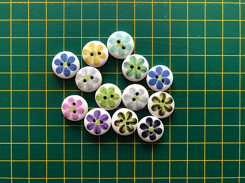 1581 - 15mm Single Flower Pattern Buttons - Wooden