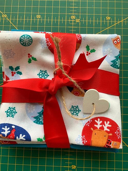 Santa friends circles fat quarter pack