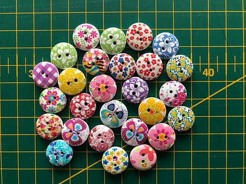 1578 - 15mm Random Floral Buttons - Wooden