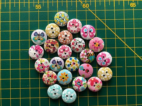 1579 - 15mm Random Floral Buttons - Wooden