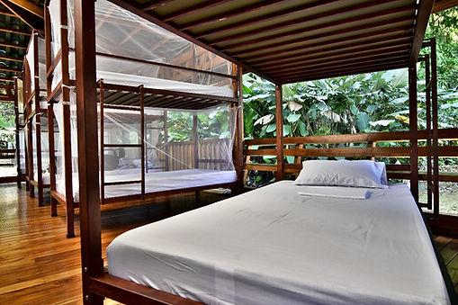 Dormitorios en Estación Sirena - Parque Nacional Corcovado