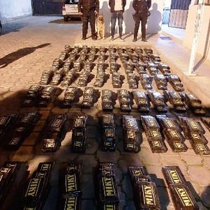 400 paquetes de cocaína incautados en control policial de Tababuela