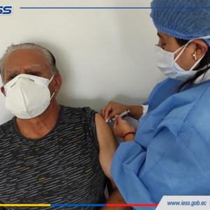IESS Imbabura cumple con jornadas de vacunación