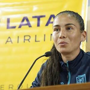 """Federación Ecuatoriana de Fútbol trabaja en """"emparejar la cancha"""" junto a La Tri Femenina"""