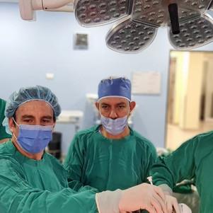 Las primeras cirugías de Cruce duodenal de una sola anastomosis (SADIS) en Ecuador