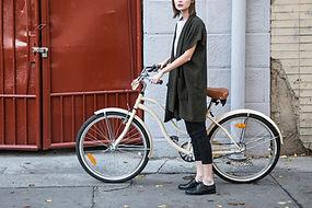 自転車と女