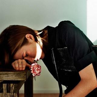 """Louise over antidepressiva: """"Tuurlijk is dat vergif, maar een depressie is dat ook"""""""