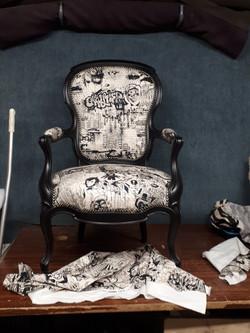 fauteuil cabriolet street art Jean paul gaultier
