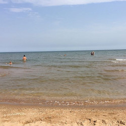 Сегодня море снова радует своим покоем и