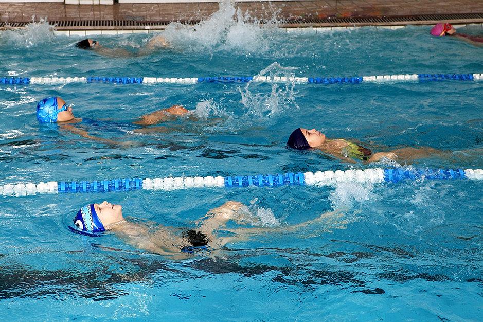 трепещут спортивное плавание для детей москва Студенты прославились