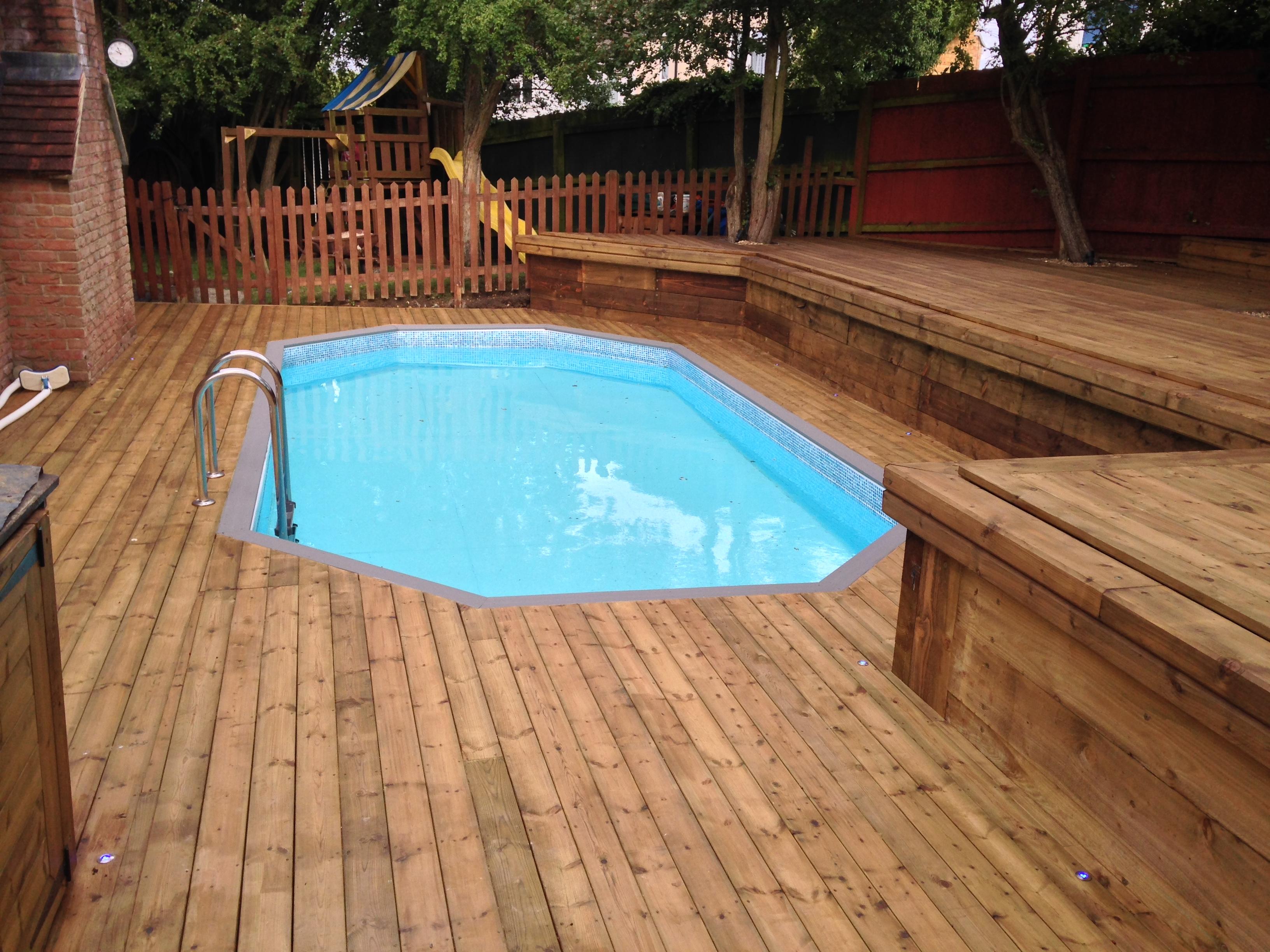 Swimming pool deck
