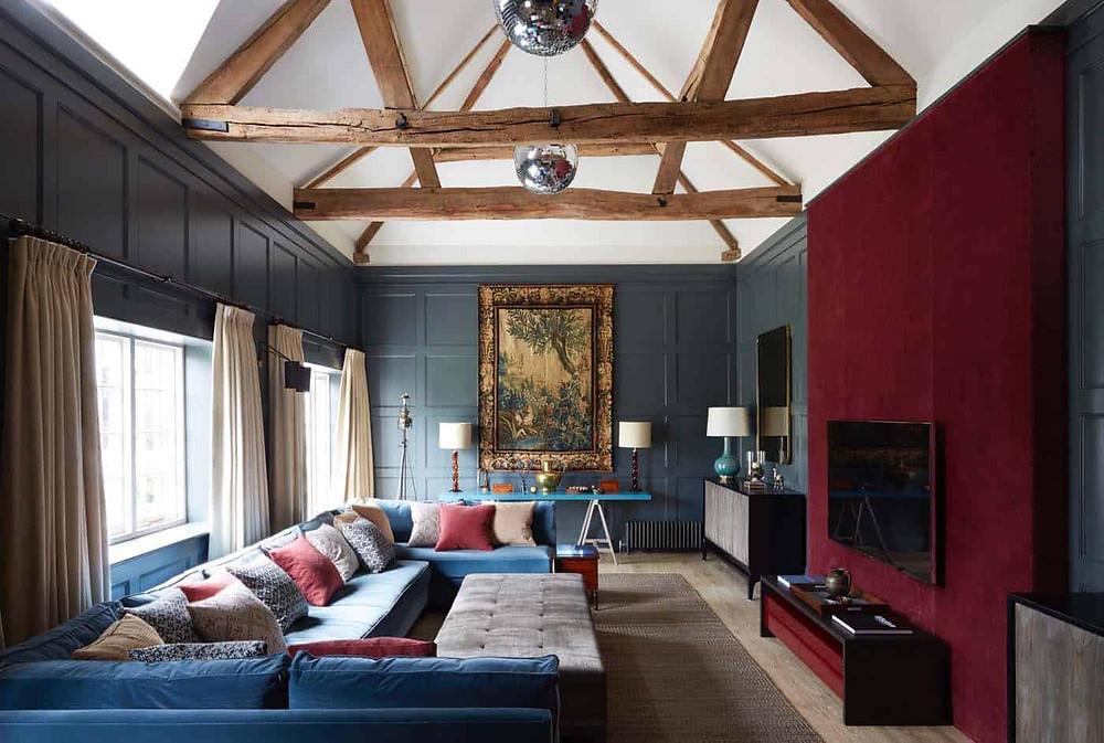 Colorful classic livingroom.