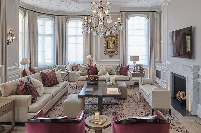 Traditional livingroom.
