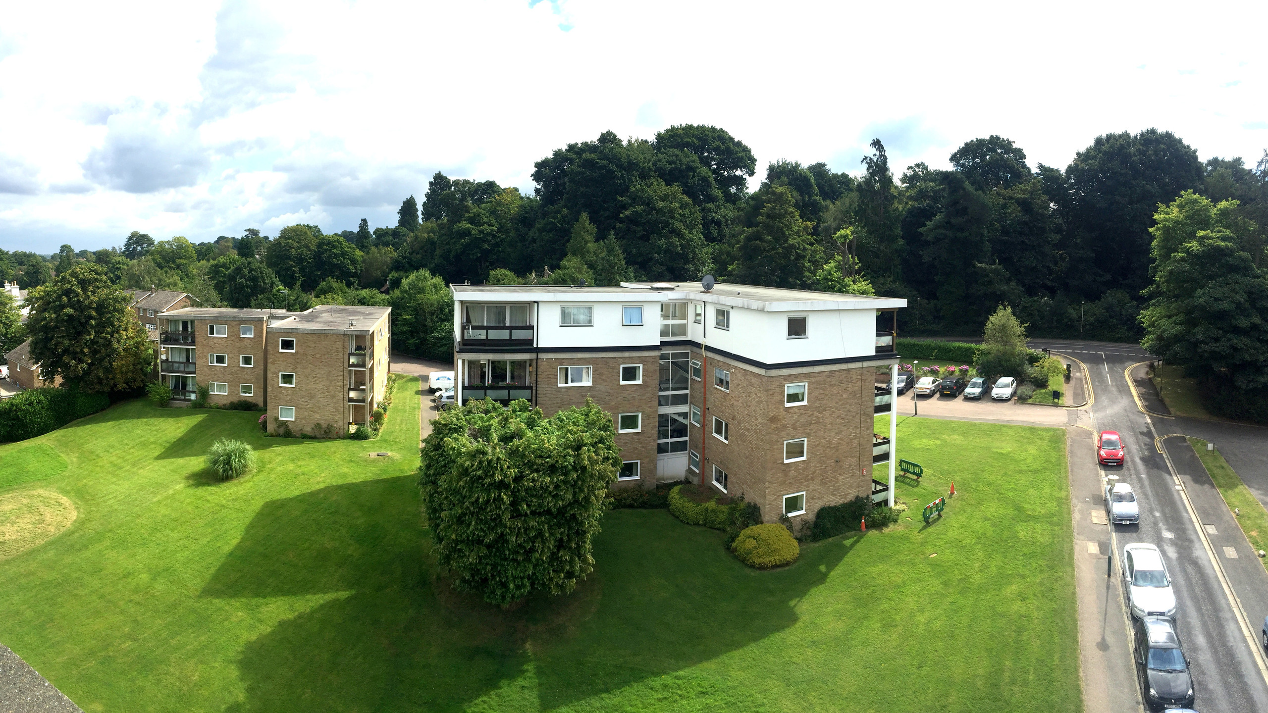 Two residential buildings with Ferndale Close, Tunbridge Wells. Managed by AM Surveying Property Services.
