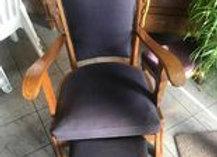 Superbe ancien fauteuil avec repose pieds