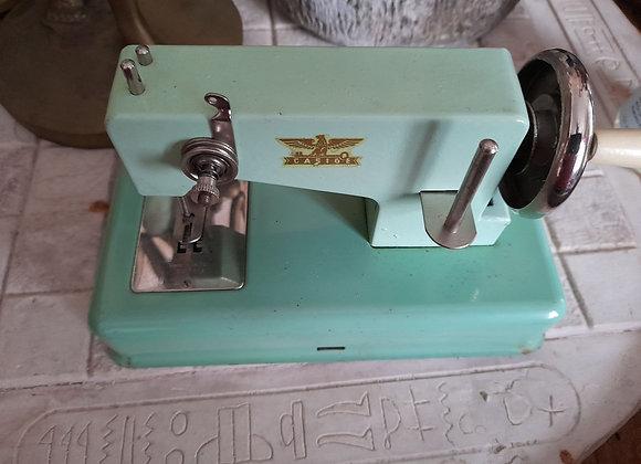 Mini machine à coudre Casige