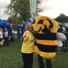 Finish line Tracie and Bumble 29th Sept
