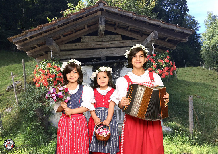 Cute Swiss music trio at Heidi's Photo Chalet