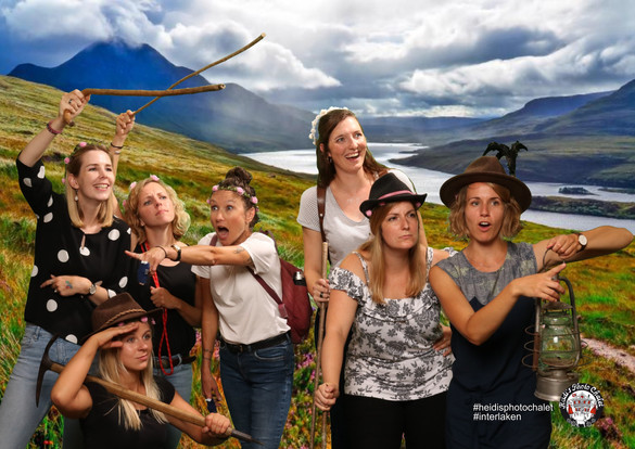Originelles Fotoshooting mit deinen liebsten - nur bei Heidi's Photo Chalet in Interlaken
