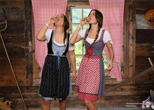 Originelles Fotoshooting mit deinen liebsten - nur bei Heidi's Photo Chalet in Interlaken1600949840