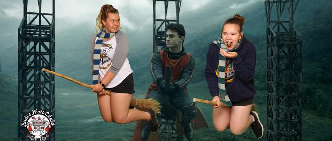 Mit Harry Potter auf dem Besen fliegen - leicht gemacht bei Heidi's Photo Chalet in Interlaken