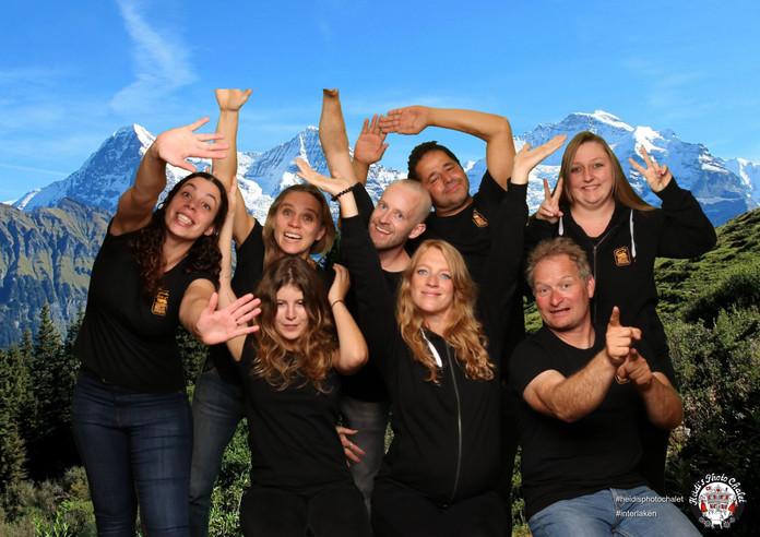 Fotospass mit deinem Team bei Heidi's Photo Chalet Interlaken