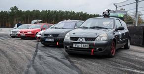 Autošosejas budžeta klase ABC Race sezonu noslēdz ar cīņām un avāriju.