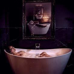 Bath tub in Master Bedroom
