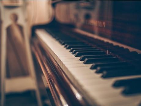 美しいピアノによる至福のヨガ・タイム。心温まるヒーリング2作品が、ライフスタイルに寄り添うミュージックレーベル【Sugar Candy】から配信 ~至福のヨガ・タイムでおうち時間を楽しむ~