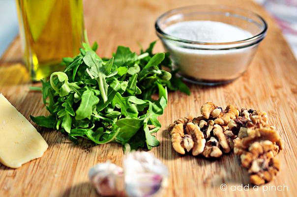 arugula-walnut-pesto-DSC_7315.jpg