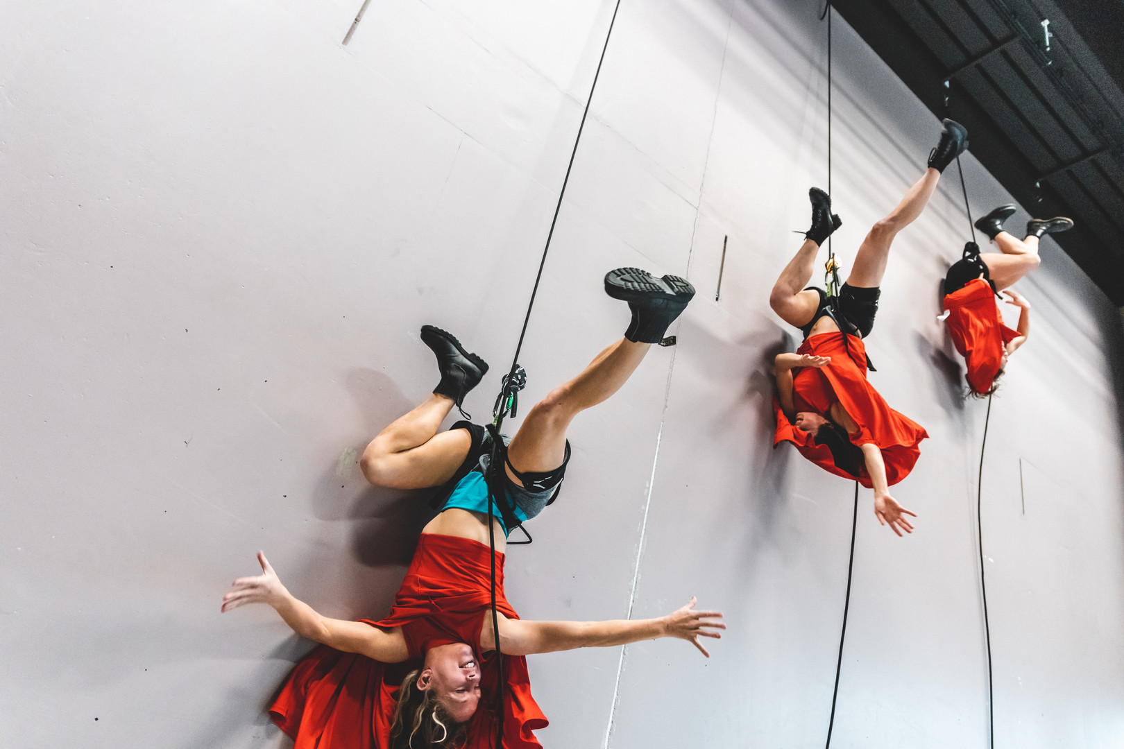 Production: She Who Dares/ photoshoot (Off The Wall Aerial Dance Circus) Photo: Dan Martin
