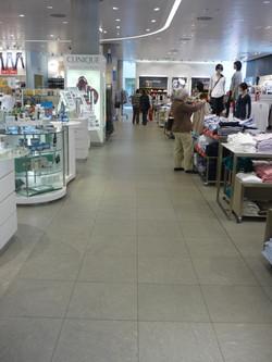 Luxe Grey - Breuninger Mall Nuremberg 1