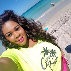 Curvy Beach Babe Asia Mone't