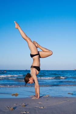 Jen-handstand-IMG_0103-29-2