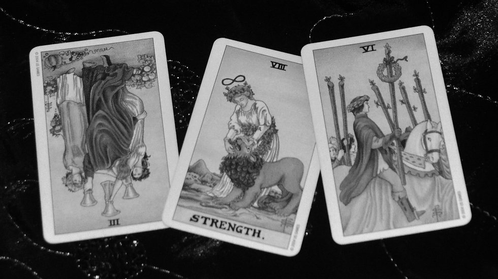 Three Card Reading 🌙