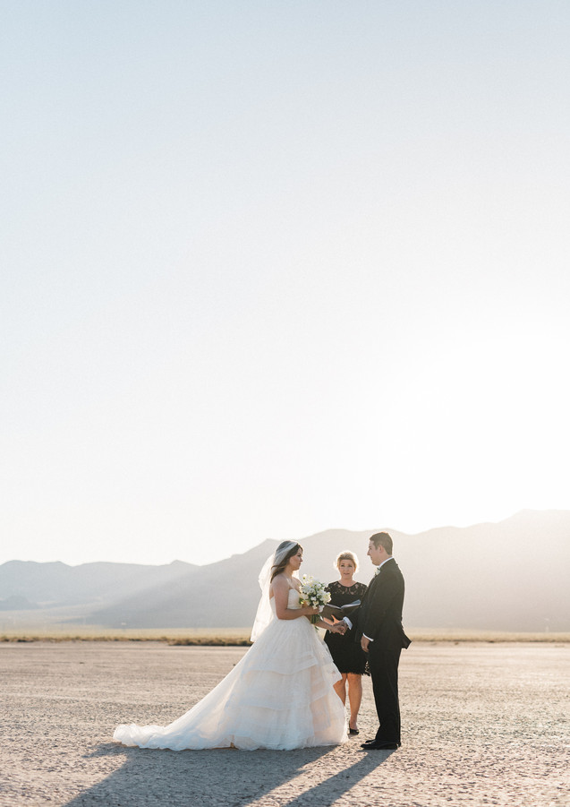Las-Vegas-Elopement-Dry-Lake-Bed-Eldorad