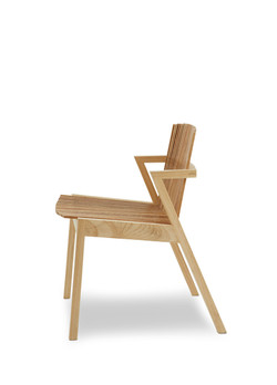 Rahyja Afrange-Cadeira SE7E lateral.jpg