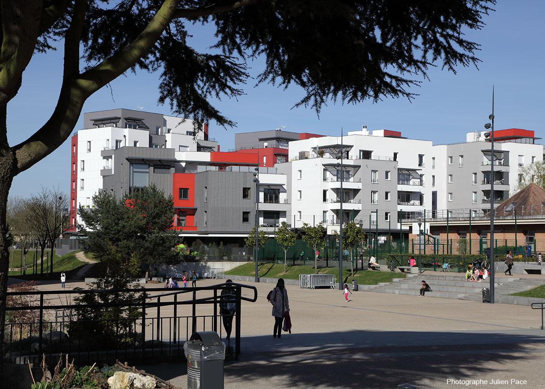 CERGY Axe Majeur  Le Mondrian